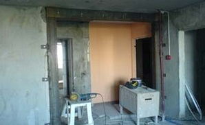 Демонтаж стены с усилением